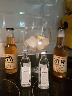 Its G&T Friday for our I Love Gin subscribers! Our Bermondsey boxes have been delivered this week and will continue to be dispatched when you order! http://www.ilovegin.com/