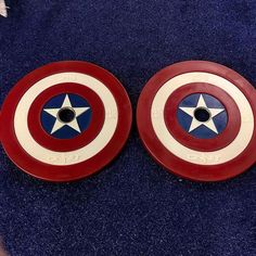 I'm not going to lie I am super excited that these came in. 45lb Captain America bumper plates. At C Results Fitness we love super heroes so anytime I can bring more of those idea into facility I do. I hope these weights inspire everyone who uses them to go big or go home. Thank you #onnit these are awesome and I'm praying you come out with Superman ones soon. #cresultsfitness #superheroes #fitfam #fitness #life #results #train #gains #fitness #boss #fitspo #motivation #hardwork #dedication…