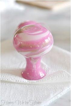 DIY (Paint Swirl Vases)