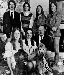 """""""An American Family"""" was the first documentary-style reality show seen in America in 1973.   http://www.imdb.com/title/tt0211195/"""