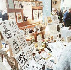 Craft Show Displays, Craft Show Ideas, Display Ideas, Business Marketing Strategies, Pop Up Market, Artist Alley, Craft Markets, Booth Ideas, Buisness
