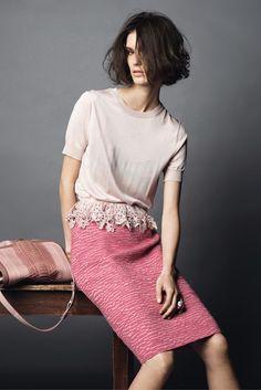 Nina Ricci Pre-Fall 2013 Fashion Show Work Fashion, High Fashion, Fashion Show, Fashion Design, Fashion Trends, Fashion Lookbook, Skirt Fashion, Style Fashion, Mode Pastel