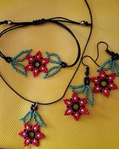 Bead Jewellery, Bead Earrings, Beaded Jewelry, Beaded Bracelets, Seed Bead Projects, Beady Eye, First Finger, Aesthetic Videos, Native Art