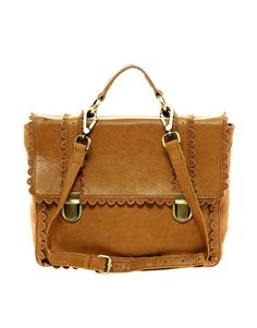 Scalloped edge tote...
