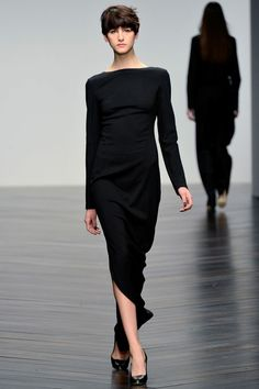 Daks Fall 2013 Ready-to-Wear Collection Slideshow on Style.com  If I could pull short hair off, I'd have this cut