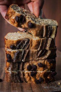 Healthy banana bread - the most juicy banana cake in the world - jasmins good lif . - Gesundes Bananen Brot – saftigster Bananenkuchen der Welt – jasmins good lif… Healthy banana bread – the most juicy banana cake in the world – jasmins good life - Vegan Banana Bread, Healthy Banana Bread, Chocolate Chip Banana Bread, Banana Bread Recipes, Cake Recipes, Dessert Recipes, Desserts, Chocolate Cake, Paleo Dessert