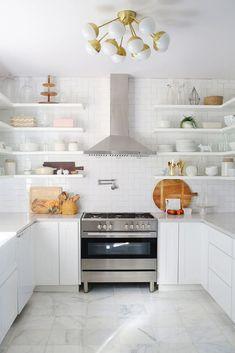 Modern Kitchen Backsplash with Subway Tile Design 14