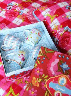 Pip Studio Pip Studio, My Cup Of Tea, Happy Colors, Vintage China, Beautiful Patterns, Bohemian Decor, Cute Designs, Country Decor, Coffee Break
