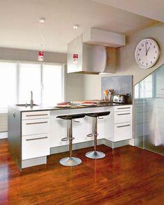 7 veces he visto estas bonitas barras de cocinas. Kitchen Cupboards, New Kitchen, Ikea, Küchen Design, Interior Design Kitchen, Decoration, Office Desk, Corner Desk, Living Spaces