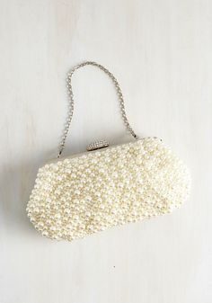 Vintage inspired wedding clutch with pearl accents #wedding