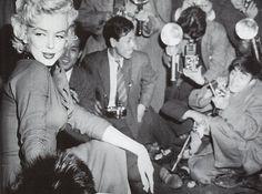 昭和スポット巡り on Twitter  昭和29年 マリリン・モンロー来日