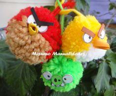 """Taller infantil """"angry birds"""" con pompones de lana, siguiendo los tutoriales en youtube de """"Gustamonton"""". www.misuenyo.com / www.misuenyo.es"""