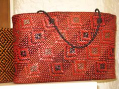New Zealand and basketry Basket Weaving Patterns, Flax Weaving, Weaving Techniques, New Zealand, Reusable Tote Bags, Louis Vuitton, Tapestry, Inspiration, Sally