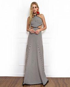 Desejo imediato! Estamos apaixonadas pelo Dress listrado com recorte na cintura. #Skazi #SkaziOficial