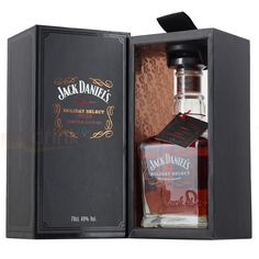 Jack Daniels Holiday Select 2013 Limited Edition Single Barrel Tennessee Whiskey 70cl (1000x1000)
