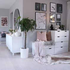 61 minimalist bedrooms ideas with cheap furniture 29 61 minimalist bedroom ideas with cheap furniture 28 Interior Design Living Room, Living Room Designs, Living Room Decor, Bedroom Decor, Bedroom Furniture, Bedroom Plants, Bedroom Dressers, Ikea Bedroom, Master Bedroom