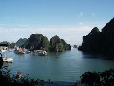 Read my adventures in the beautiful Halong Bay https://elliefelicity.wordpress.com/2016/01/24/east-asian-utopia/