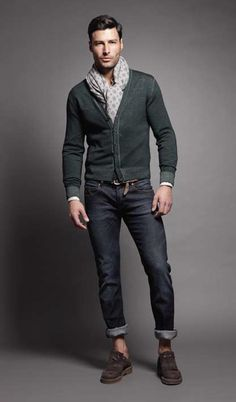 2015-04-22のファッションスナップ。着用アイテム・キーワードはカーディガン, デニム, ドレスシューズ, マフラー・ストール,etc. 理想の着こなし・コーディネートがきっとここに。| No:102296