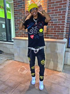 Tomboy Fashion, Fashion Shoes, Tomboy Style, Girls Summer Outfits, Summer Girls, Tomboyish Outfits, Lesbian Outfits, Youtubers, Sporty