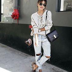 @speak__fashion:heart_eyes_cat:  :white_small_square: Chek Out our bio:white_small_square: #flatlay #flatlays #flatlayapp www.flat-lay.com