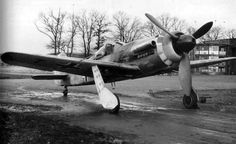 This is not Fw-190D-9 but the V21 prototipe, created for bad weather.