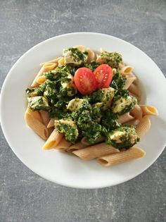 Recipe for diet pasta with spinach and chicken . Chicken Pasta, Pasta Food, Spinach Pasta, Penne, Avocado Toast, Pasta Recipes, Curry, Breakfast, Receptions