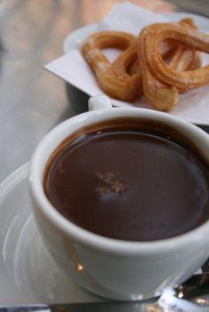 churros con chocolate, Barcelona :) Sólo Barcelona hace churros con chocolate así!!! Mueroooo