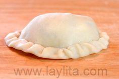 Empanadas Mendocinas – Argentinian Empanadas – Laylita's Recipes Mendoza, Fried Pies, Empanadas Recipe, Spanish Food, Spanish Recipes, Hand Pies, Pizza Dough, Mexican Food Recipes, Bread Recipes