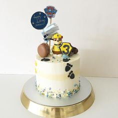 82 mentions J'aime, 3 commentaires – Handcraft Boutique Style Cakes (@zizou_cake_boutique) sur Instagram : « Say hello to my little friend of this morning! Rubble's on the double My first Paw Patrol cake for… »