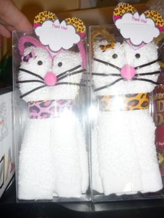 party favor kitty cats Kitty Cats, Party Favors, Snoopy, Character, Design, Kittens, Kitty, Design Comics, Candy Boxes
