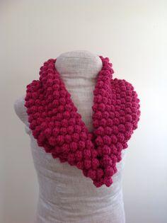 Ravelry: Raspberry Cowl by Undeniable Glitter- Alyssa