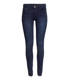 5-pocket pants in superstretch washed twill with slim legs and a regular waist.