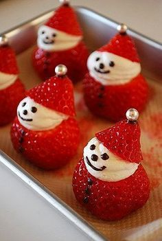New Easy Cake: Strawberry Snowman Pies Cake Cakes …, … - Christmas Desserts Christmas Deserts, Christmas Party Food, Xmas Food, Christmas Brunch, Christmas Appetizers, Christmas Cooking, Holiday Desserts, Holiday Baking, Holiday Recipes