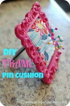 diy frame pin cushion >> met kurk, karton,... + stof er over >> zo kan je mooi werk telkens vastprikken