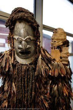 """Masques kanak restaurés avec le soutien de la Fondation BNP Paribas :: Exposition """"KANAK, l'Art est une parole"""", à découvrir au musée du quai Branly à partir du 15 octobre 2013 :: (c) musée du quai Branly, photo : Cyril Zannettacci :: @Joscha Keijlée du quai Branly"""