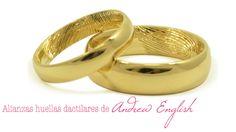 Original alianza de bodas con huellas dactilares