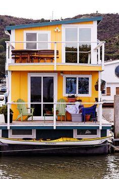 Houseboat love Дом на воде