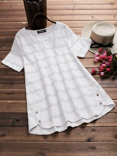 O-NEWE Casual Women Embroidery Crochet Hollow Out T-Shirt can cover your body well, make you more sexy, Newchic offer cheap plus size fashion tops for women. Crochet Top Outfit, Black Crochet Dress, Crochet Shirt, Crochet Bodycon Dresses, Plus Size Shirts, Plus Size Blouses, Plus Size Dresses, Dress Clothes For Women, Dress Shirts For Women