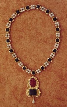 The necklace of Jane Seymour
