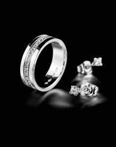 Oy Tillander Ab diamond ring & earrings, www.tillander.fi/ #tillander #diamond #ring #whitegold #earrings #wedding #engagement