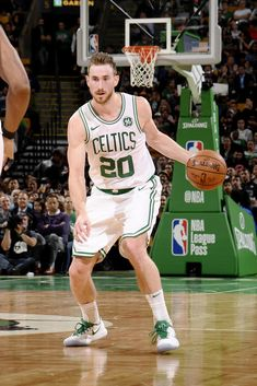 Basketball Shoes For Sale Celtics Basketball, Basketball Rules, Basketball Skills, Basketball Players, Nba League Pass, Gordon Hayward, Celtic Pride, Rules For Kids, Jayson Tatum