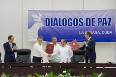 Secretary-General Attends Ceremony for Colombian Ceasefire Agreement, Havana.UN Photo/Eskinder Debebe
