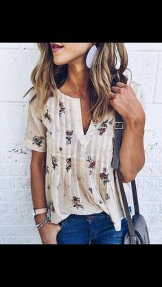 lightweight v-neck cream short sleeved blouse with floral detail. Simple feminine fashion. Leather drop earrings. Stitch Fix 2016 Summer to Fall