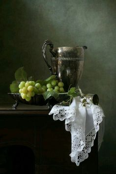 Green and lace / Still life
