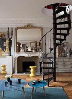 37 Fascinating Small Living Rooms with Spiral Staircase Iron Staircase, Spiral Staircase, Staircase Design, Staircase Ideas, Interior Stairs, Home Interior, Interior Decorating, Interior Design, Architecture Design