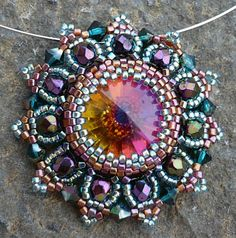 Amazing beadwork - and you can buy the tutorial!!!