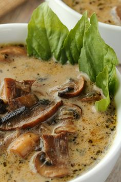 Simple and ultra creamy vegan cream of mushroom soup. Rich and flavorful and deliciously satisfying, this soup makes an ideal appetizer. Vegan Soups, Vegan Dishes, Vegetarian Recipes, Healthy Recipes, Vegan Mushroom Soup, Mushroom Soup Recipes, Gluten Free Mushroom Soup Recipe, Mushroom Potato Soup, Creamed Mushrooms