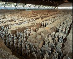Het Terracottaleger is een benaming voor de archeologische vondst van 9099 terracottafiguren die als grafgiften zijn meegegeven aan de eerste keizer van China, Qin Shi Huangdi. Het 'leger' bevindt zich tussen de berg Li en het hedendaags Xi'an. Deze overblijfselen bij het graf van keizer Qin Shi Huangdi (221-214 v.Chr.)
