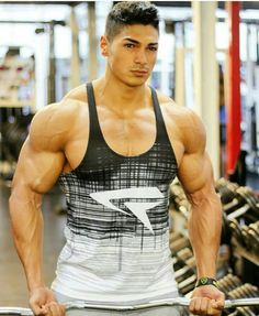 Gay bodybuilder gallery