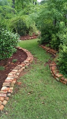 Garden edging is a must-have for any garden, but is it easy to install? These simple yet unique garden edging ideas will help you! garden edging 23 Simple Yet Unique Garden Edging Ideas Rustic Gardens, Unique Gardens, Beautiful Gardens, Outdoor Gardens, Crafts Beautiful, Beautiful Beautiful, Rustic Garden Decor, Garden Decorations, Balcony Garden
